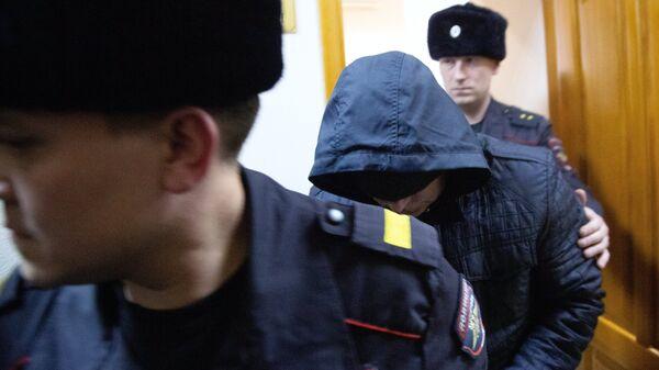 Бывший сотрудник полиции Эдуард Матвеев, обвиняемый в изнасиловании девушки-дознавателя, во время рассмотрения ходатайства следствия об аресте в Кировском районном суде Уфы