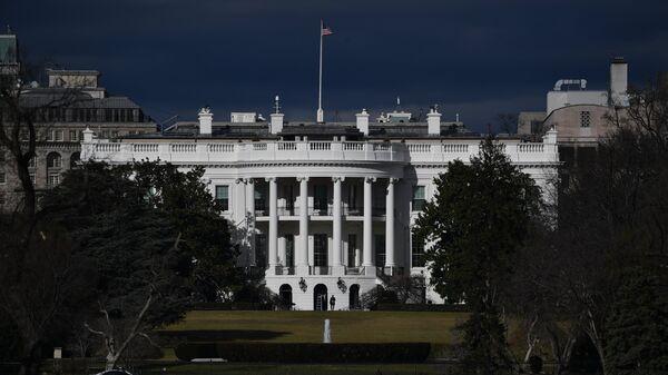 Вид на Белый дом в Вашингтоне