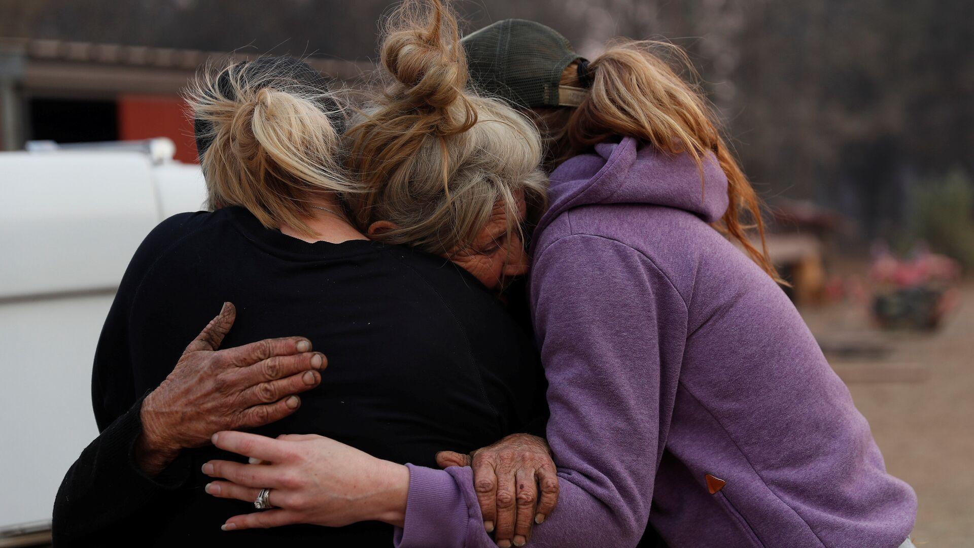 Женщины, спасавшие лошадей во время лесных пожаров в Калифорнии, США - РИА Новости, 1920, 17.01.2021