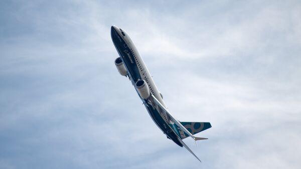 Самолет Boeing 737-8 MAX