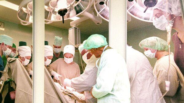 В онкологическом исследовательском центре им. Н. Н. Блохина.