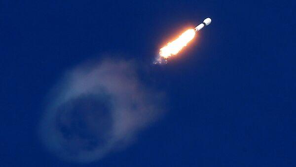 Старт ракеты-носителя Falcon 9 с космодрома Канаверал. 15 ноября 2018