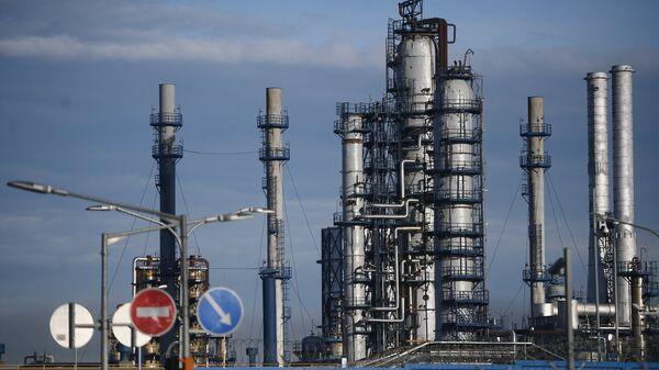 Московский нефтеперерабатывающий завод в Капотне. Архивное фото