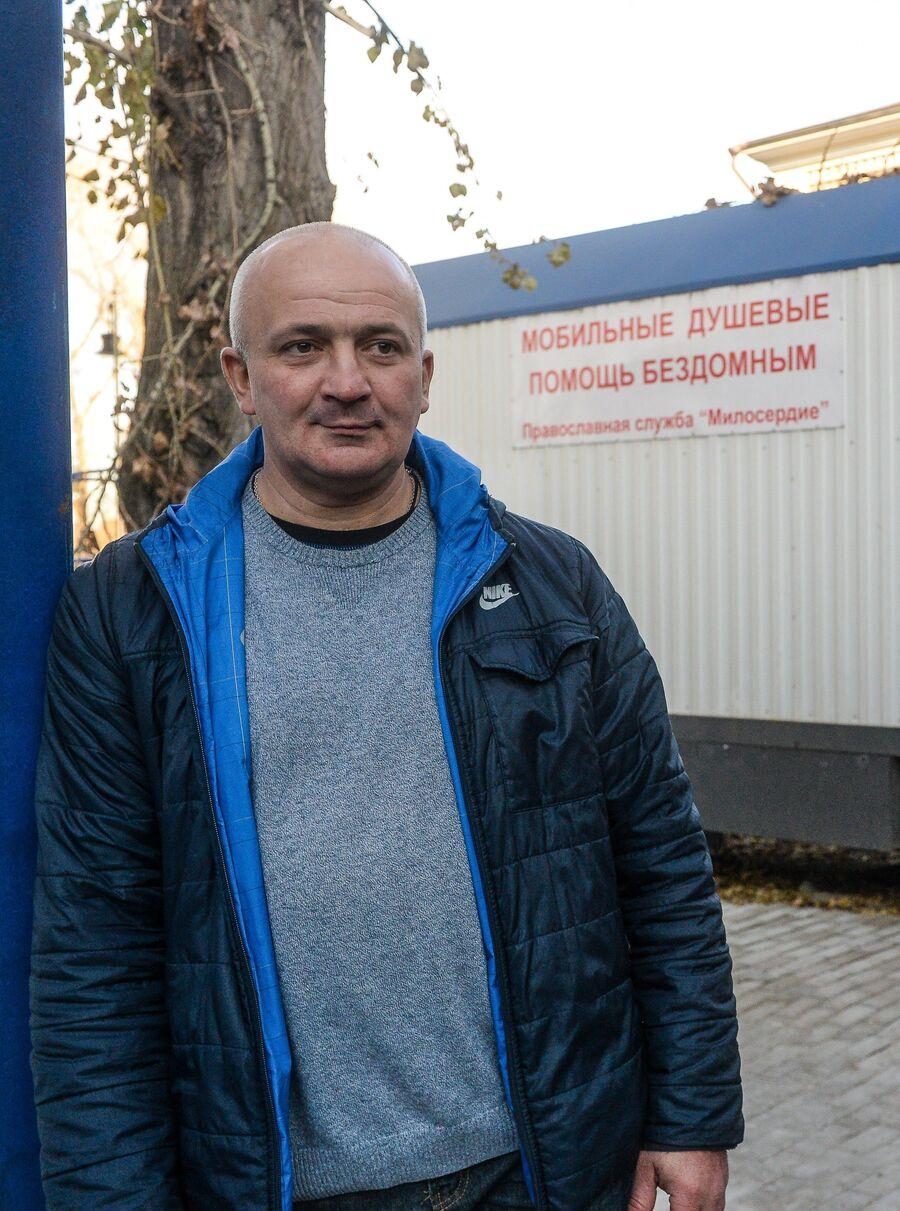 Алексей Евгеньевич приходит в Ангар спасения около 1,5 лет