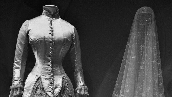 От эскиза до подиума: все этапы изготовления одежды