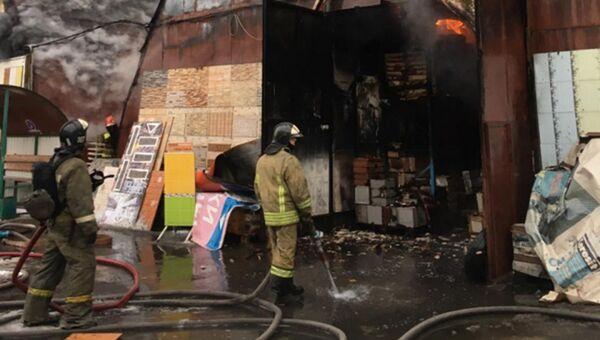 Ликвидация открытого горения в строении в Балашихе. 25 ноября 2018
