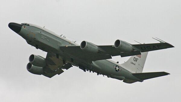 Американский реактивный многофункциональный военно-транспортный самолет Boeing RC-135V