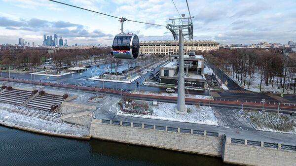 Канатная дорога, соединяющая Воробьевы горы, стадион Лужники и улицу Косыгина в Москве