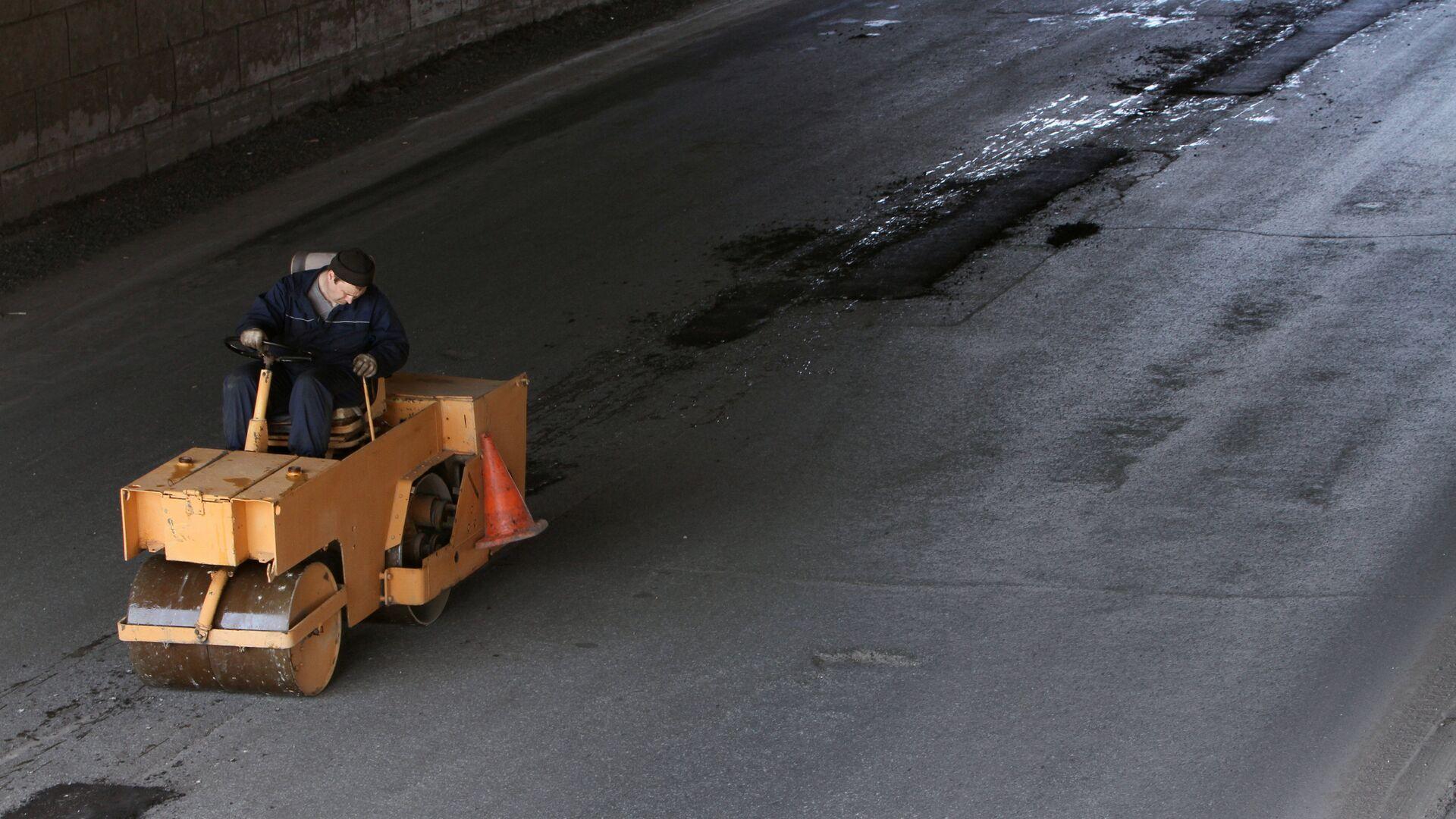 Ремонт дорог в Омске - РИА Новости, 1920, 29.07.2021