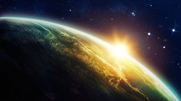 Восход Солнца из космоса.