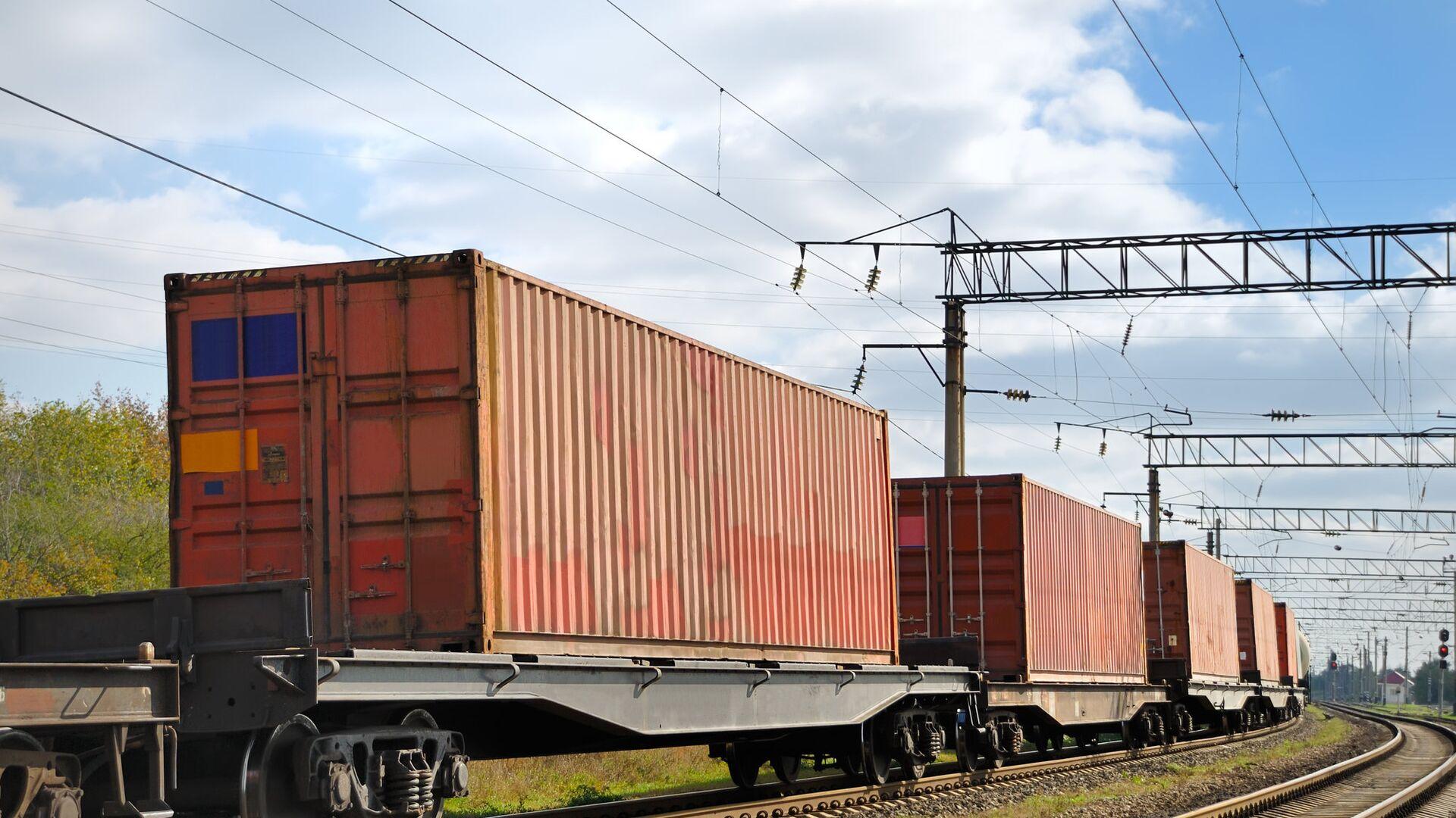 Первый контейнерный поезд из Татарстана прибыл в порт Санкт-Петербурга