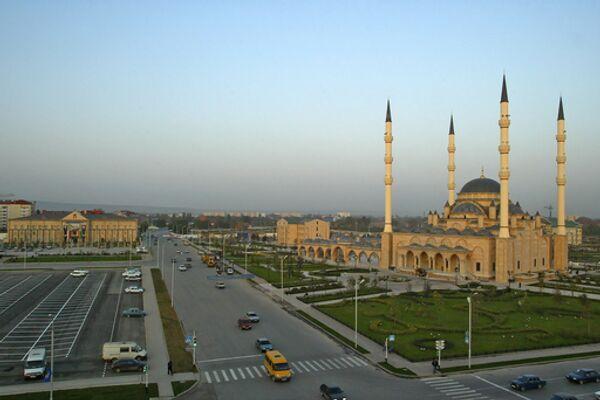 Исламский комплекс и центральная мечеть имени Ахмата Кадырова в центре Грозного