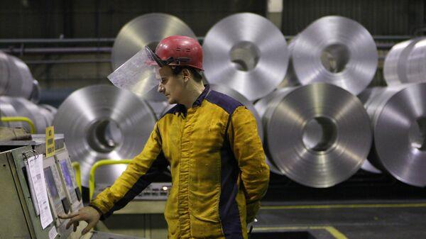 Изготовление алюминиевой ленты в прокатном цехе