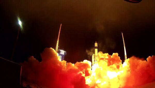 Кадры запуска ракеты Рокот с военными спутниками