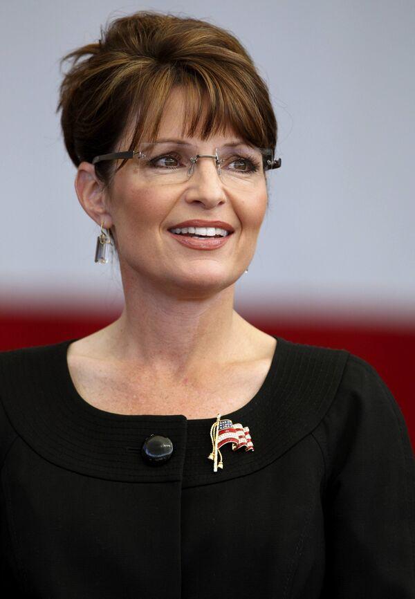 Кандидат в вице-президенты США губернатор штата Аляска Сара Пэйлин на предвыборном митинге