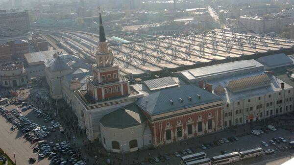 Здание Казанского вокзала на Комсомольской площади в Москве. Архив