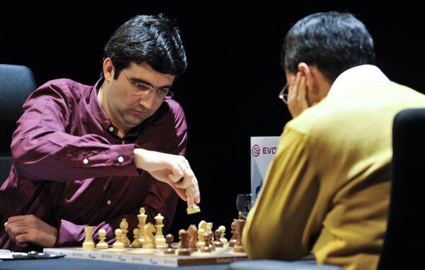 8-я партия матча за звание чемпиона мира по шахматам между Крамником и Анандом