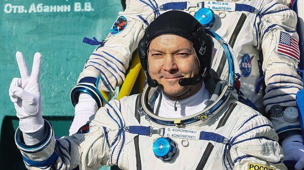 Член основного экипажа МКС-58/59 космонавт Роскосмоса Олег Кононенко