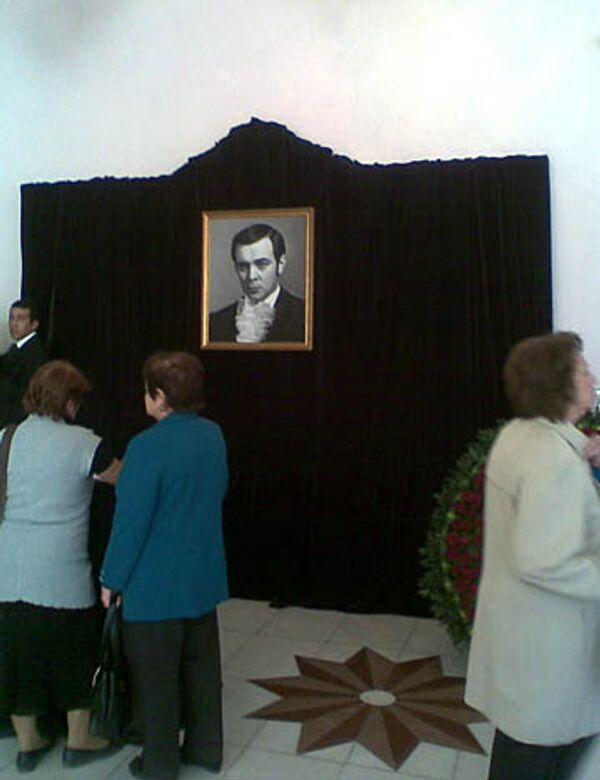 Прощание с Муслимом Магомаевым в здании Бакинской государственной филармонии