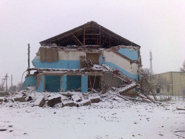 Здание обрушившейся средней школы в селе Беляевка. Архив
