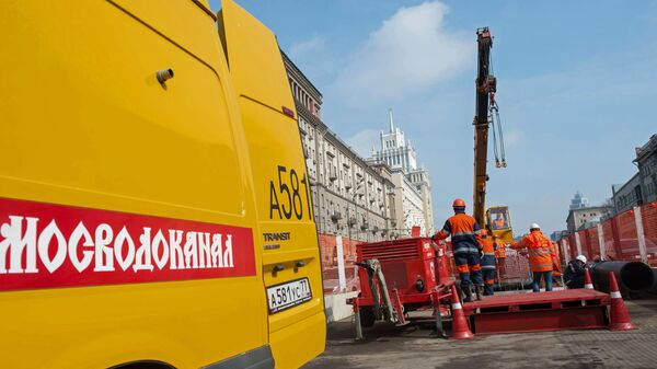 Мэр Москвы С. Собянин осмотрел ход работ по реконструкции водопровода на Садовом кольце в Москве