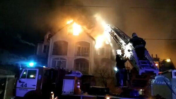 Кадры с места ЧП в Анапе, где произошел пожар в жилых домах