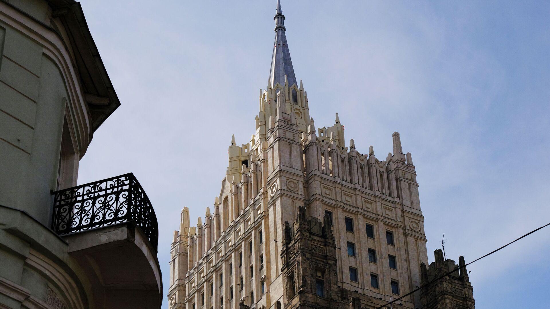 Башня здания  министерства иностранных дел РФ - РИА Новости, 1920, 09.07.2021