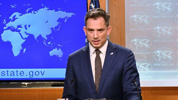 Заместитель официального представителя госдепартамента США Роберт Палладино.