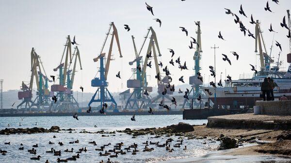 Морской торговый порт в Крыму