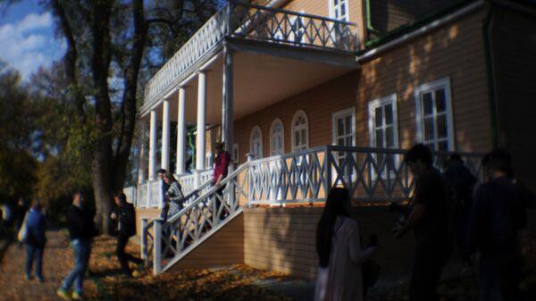 Государственный Лермонтовский музей-заповедник Тарханы в Пензенской области. Архивное фото