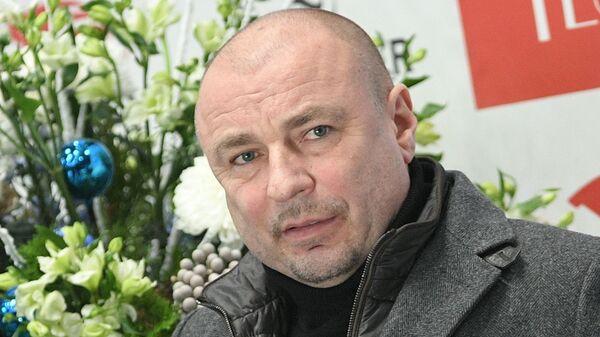 Тренер Александр Жулин