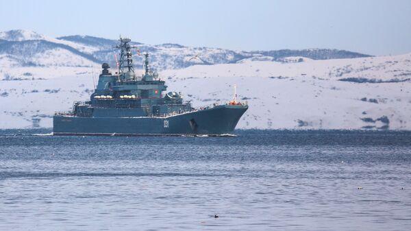 Большой десантный корабль Александр Отраковский