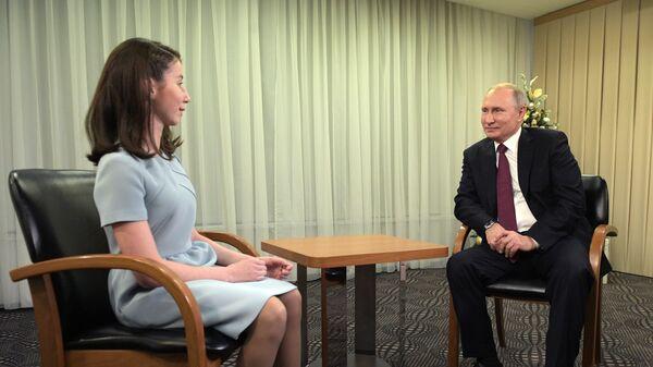Президент РФ В. Путин после пресс-конференции дал интервью Регине Парпиевой