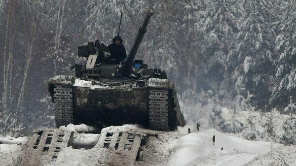 Украинские танкисты во время учений
