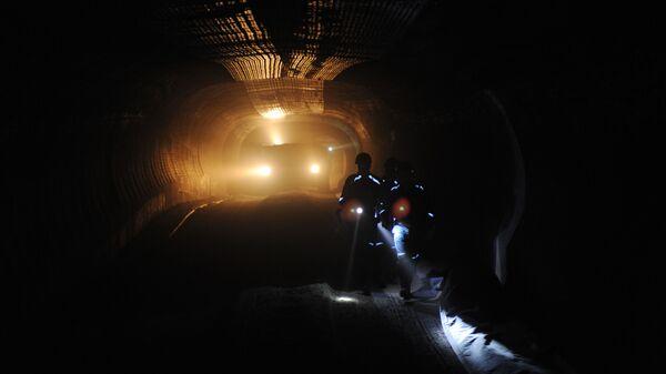 Самоходный вагон в шахте рудника ОАО Уралкалий