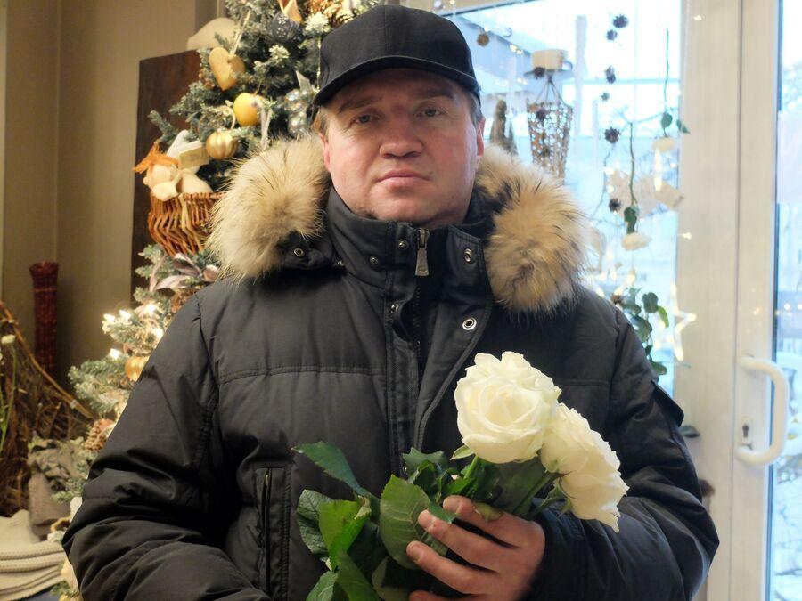 Подопечный «Ангара спасения» Руслан с цветами