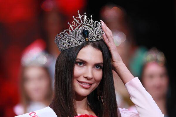 Победительница конкурса красоты Мисс Москва 2018 Алеся Семеренко в концертном зале Vegas City Hall