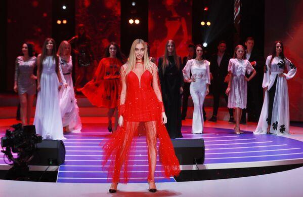 Участницы конкурса красоты Мисс Москва 2018. На первом плане: Виктория Иванькова