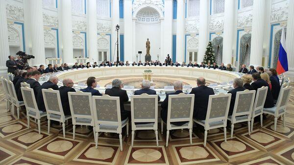 Президент РФ Владимир Путин проводит встречу с руководством Совета Федерации РФ, Государственной Думы РФ. 25 декабря 2018
