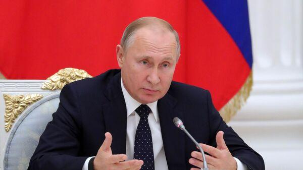 Владимир Путин во время встречи с представителями российских деловых кругов. 26 декабря 2018