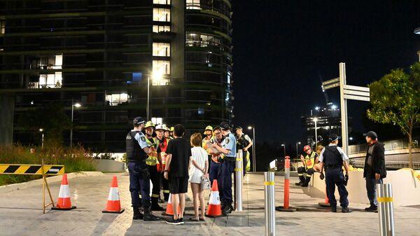 Эвакуация жителей небоскреба Opal Tower в Сиднее. 25 декабря 2018