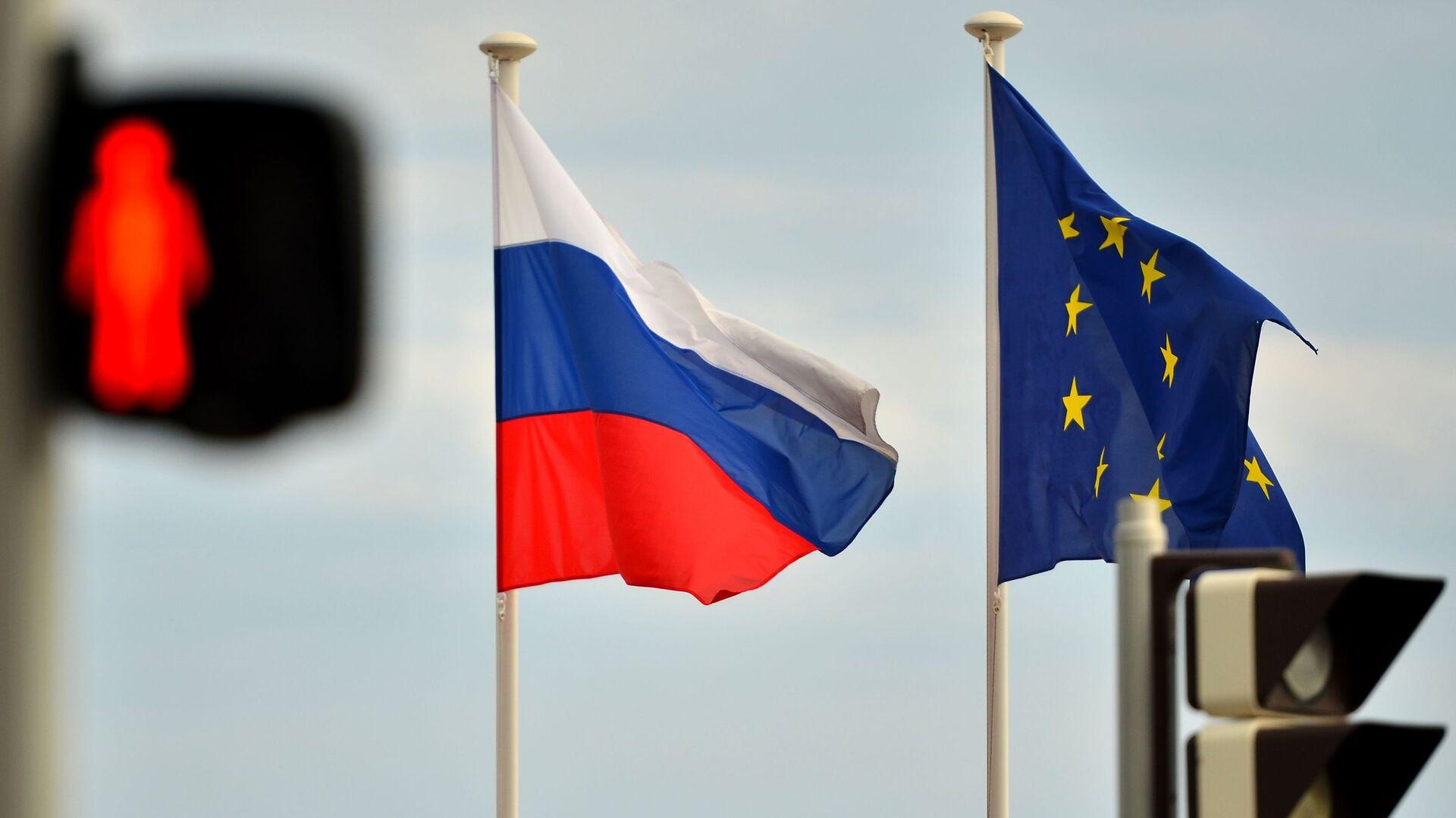 Флаги России и ЕС - РИА Новости, 1920, 14.10.2020