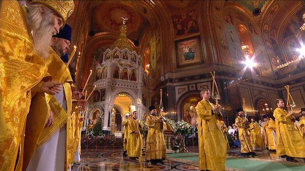 Рождественские богослужения прошли в Москве и Санкт-Петербурге