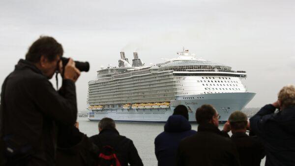 Корабль Oasis of the Seas компании Royal Carribean