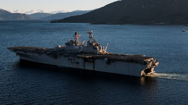 Американский десантный корабль
