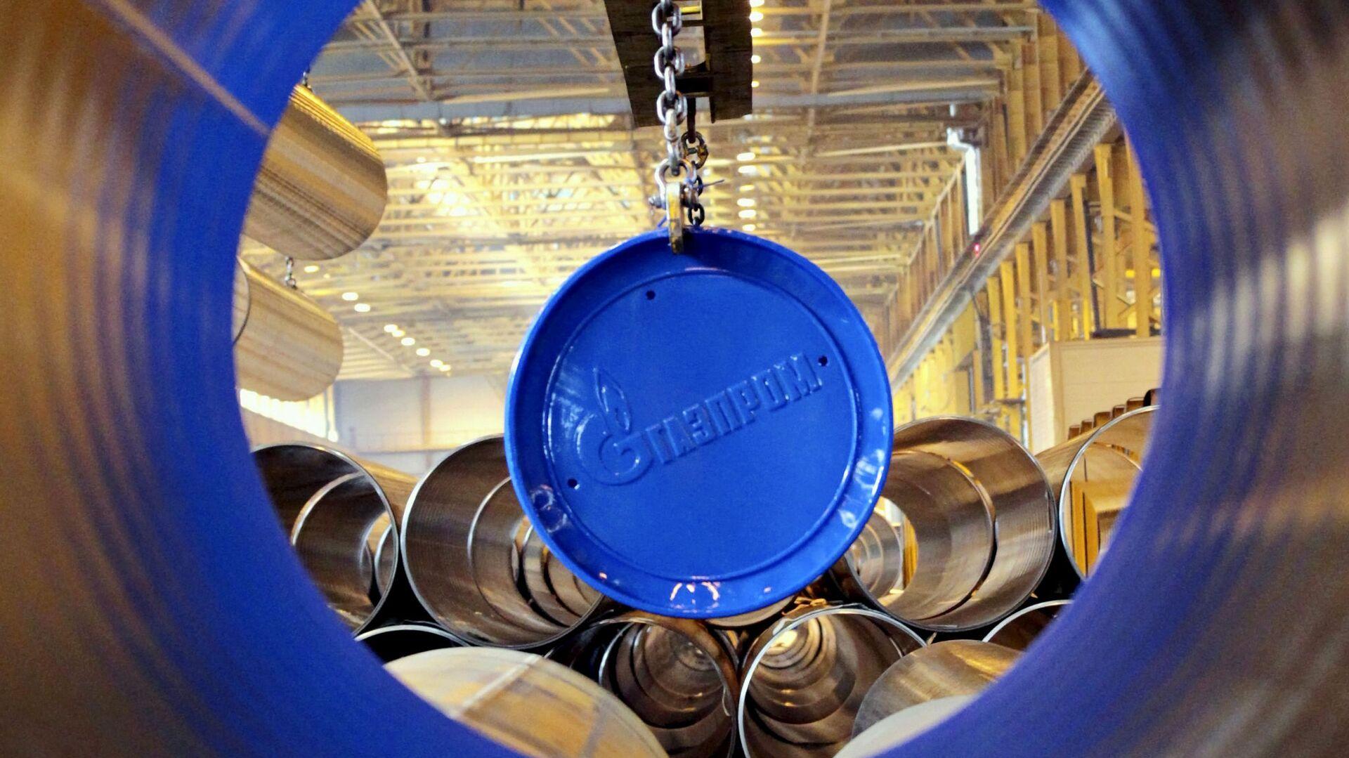 Логотип Газпрома на заводе по производству труб для газопровода - РИА Новости, 1920, 17.02.2021