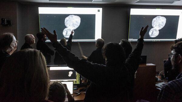 Научная команда New Horizons во время сближения с Ультимой Туле