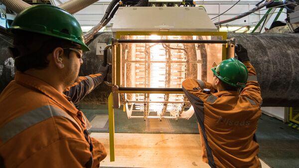 Работы по строительству трубопровода Северный поток - 2 на борту судна Audacia в Германии