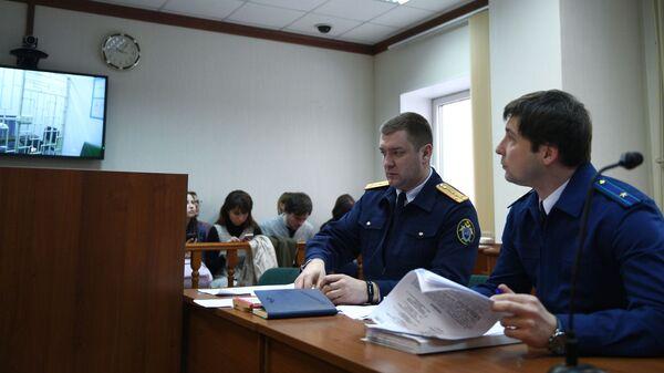 Заседание по рассмотрению жалобы на арест сенатора Рауфа Арашукова в Московском городском суде. 7 февраля 2019