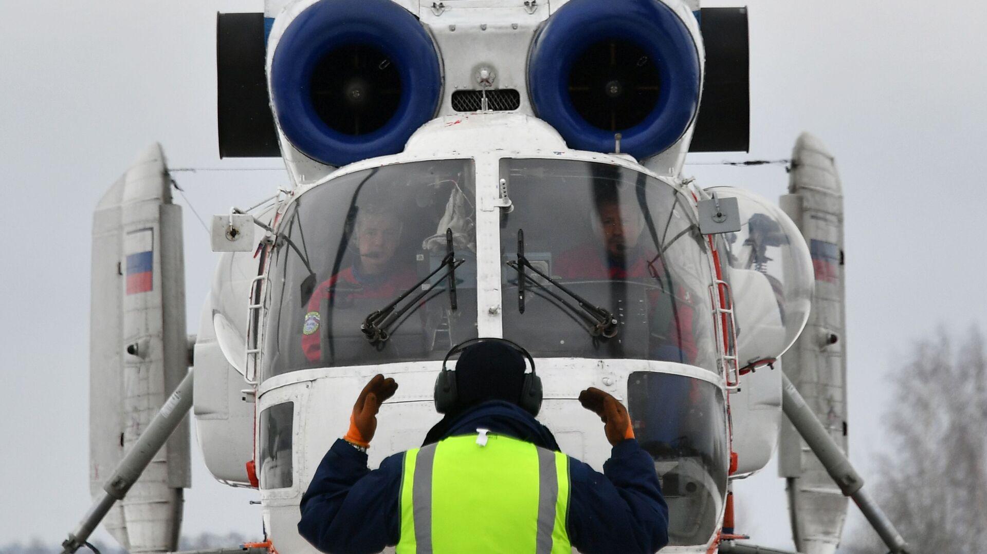 Вертолет Камов Ка-32А/АО в Московском авиационном центре - РИА Новости, 1920, 01.09.2021
